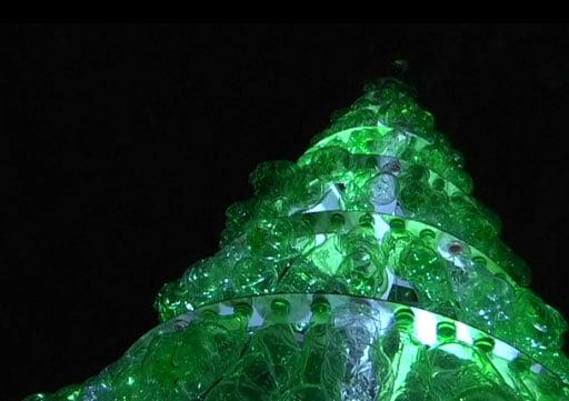 recyclage de bouteilles plastiques la p riode de no l l 39 emballage cologique. Black Bedroom Furniture Sets. Home Design Ideas