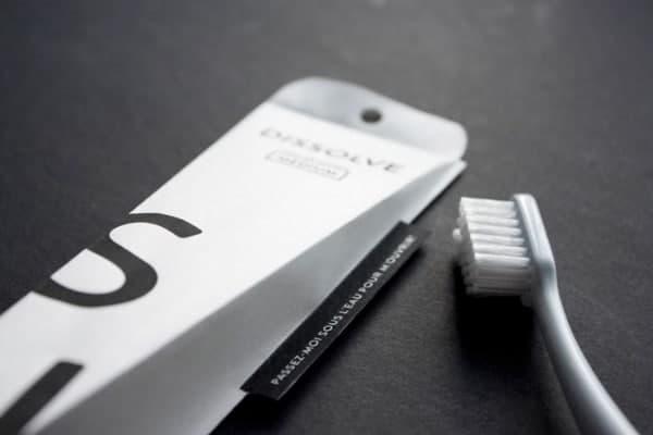 Un nouvel emballage de brosse à dents nommé «Dissolve»