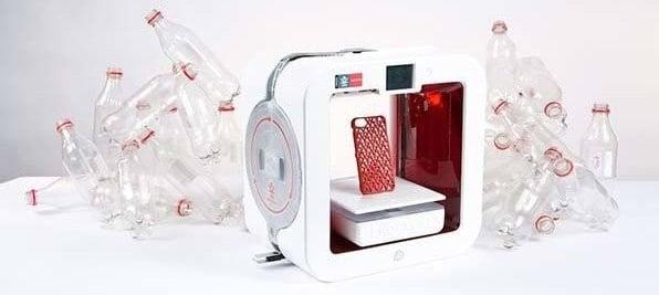 EKOCYCLE : l'imprimante 3D qui recycle les bouteilles en plastique.